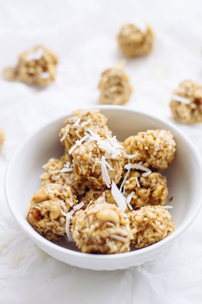 Cashew Coconut Energy Balls | Nutrition Stripped #glutenfree #vegan #raw #dessert #healthyrecipe