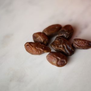 Dates Nutrition Information, Health Benefits, and Uses | Nutrition Stripped