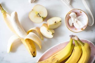 Prebiotic Food Sources | Apples, Garlic, Onions, Bananas, Kimchi