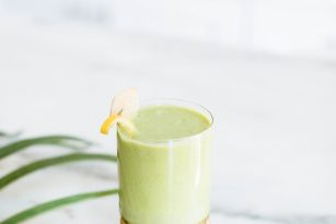 5 Minute Spinach Smoothie | Nutrition Stripped